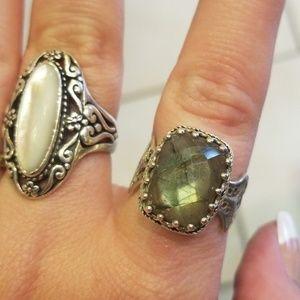 Jewelry - Unique sterling silver laboridorit ring